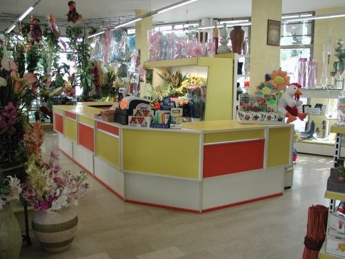 Frabe arredamenti per negozi arredo negozi e supermercati for Tessuti per arredamento padova